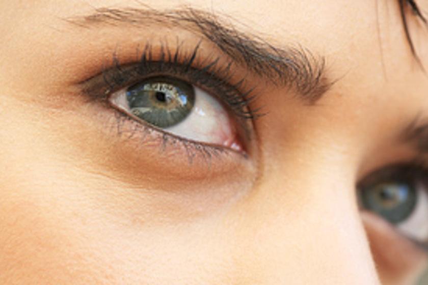 szem szúrja a rövidlátást