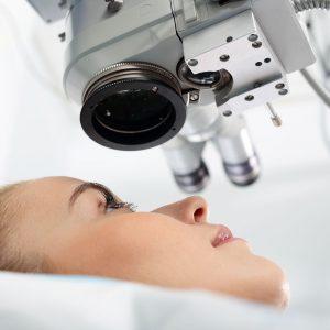 gyermekkori szemészeti mikrosebészet