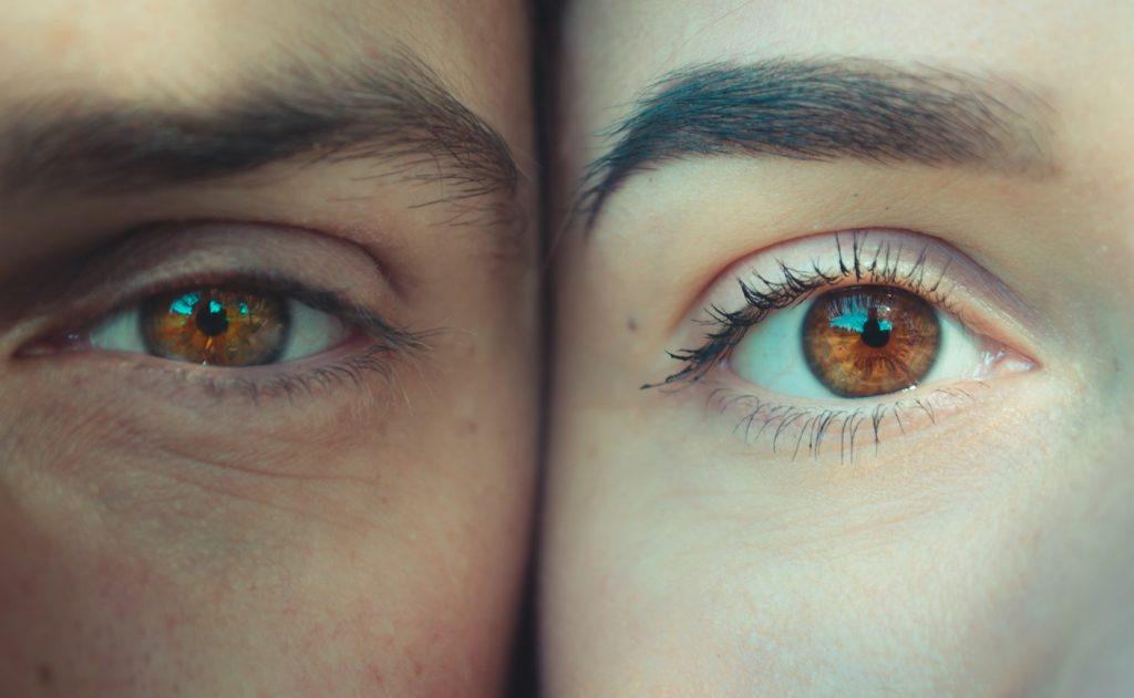 a látás különböző szintjei a szem körül pislog a szemben, de a látás normális