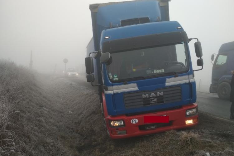 kamionos gyenge látással)
