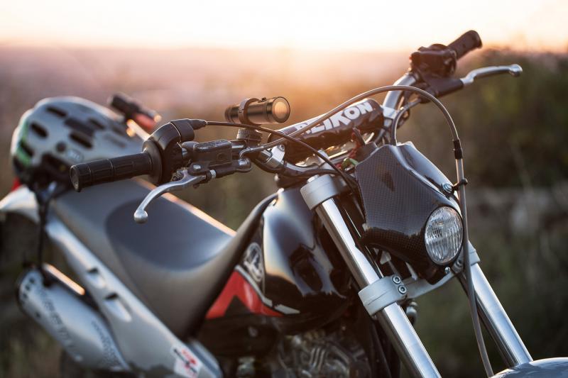 Megfelelő lencsék motorosoknak és kabrió tulajdonosoknak
