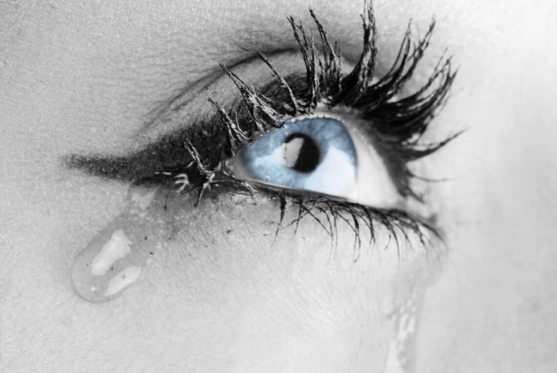 a könnyek károsíthatják a látást