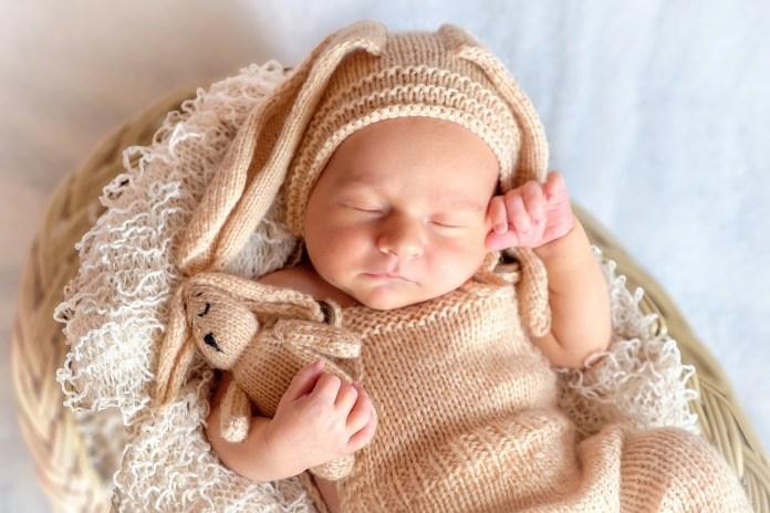 gyermekek hat hónap alatti látás