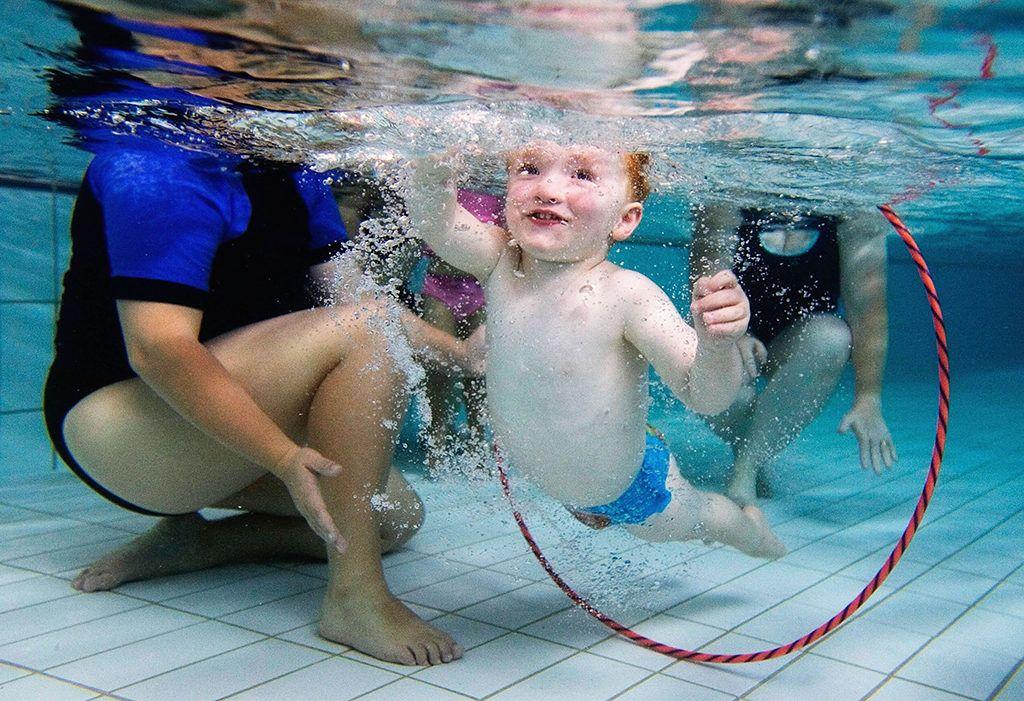lehet-e úszni rossz látással