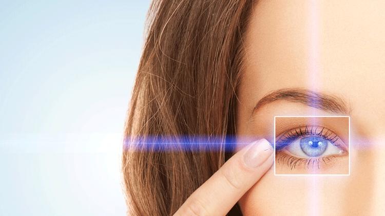 romlott a bal szem látása