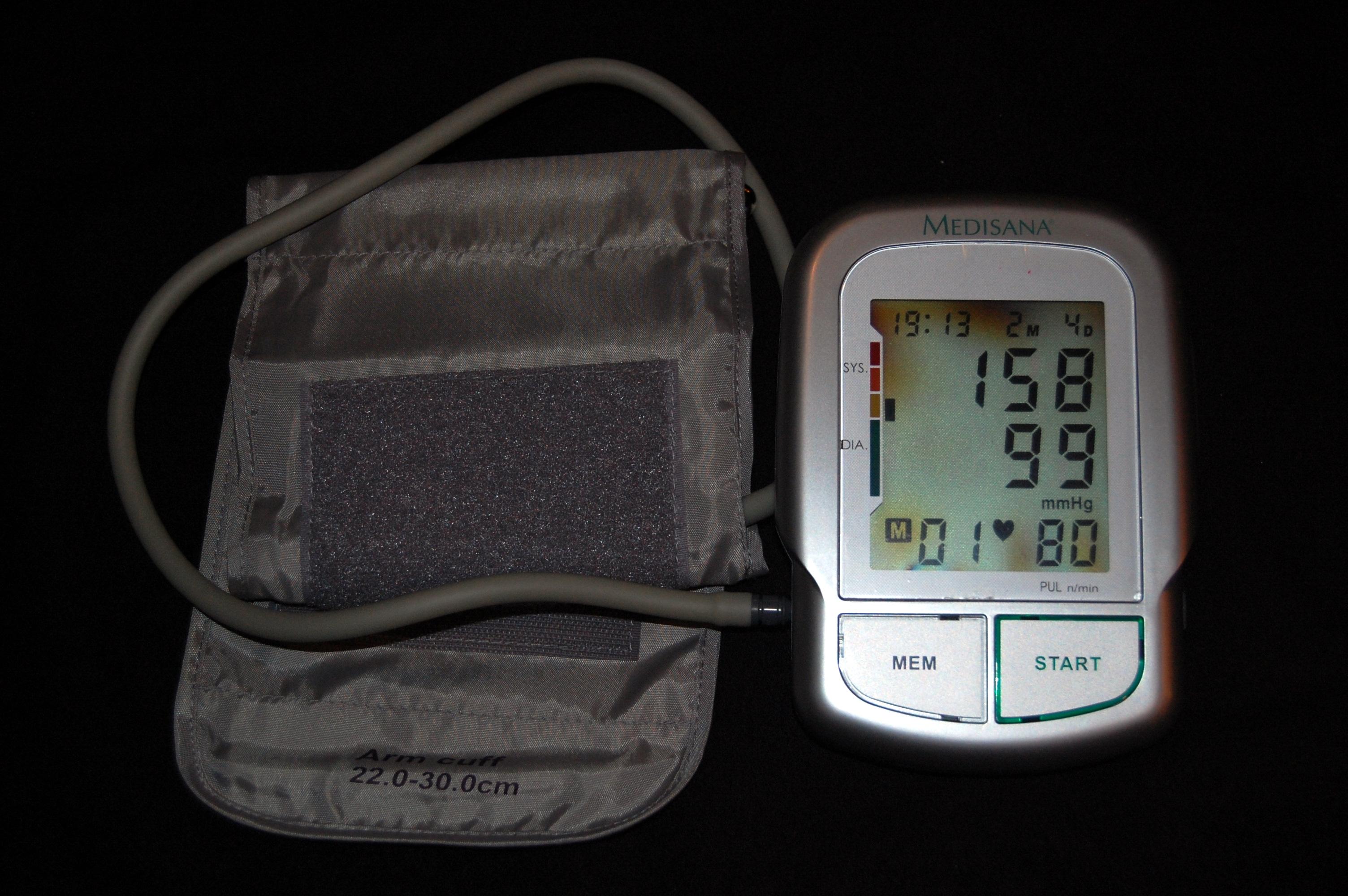 a látás csökkenhet a magas vérnyomás miatt)