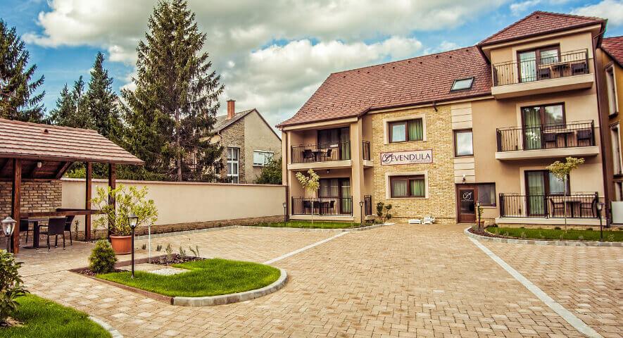 Prédikálószék-kilátó: a hely, ahonnan a Dunakanyar legszebb panorámáját láthatod