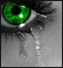 Döbbenetes! Könnyek helyett vér folyt egy férfi szeméből