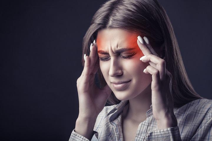 fejfájást okozhat a látás miatt)