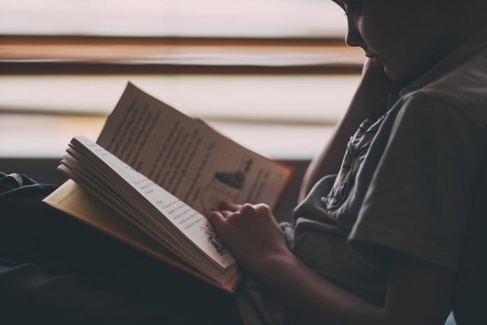 látás nélkül olvasás)
