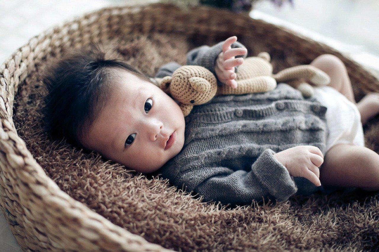 magas rövidlátású szülés)