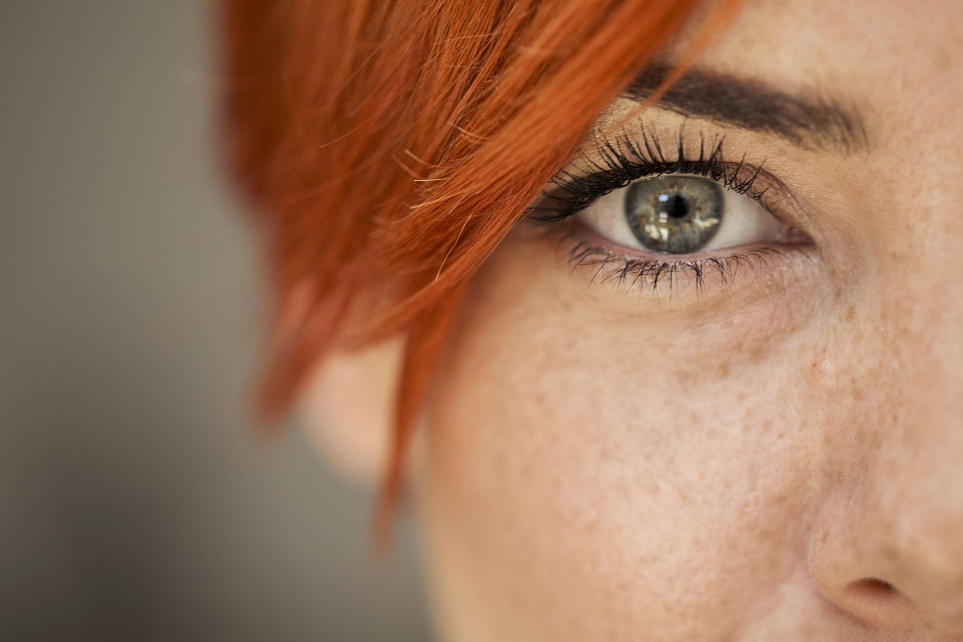 ha a látás egy szemre esik)