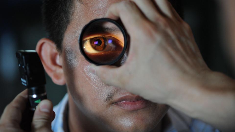 Ahogy egy személy látja, ha van egy látása -3