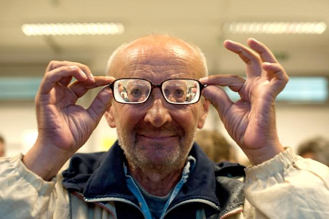 45 éves korban látásromlás)