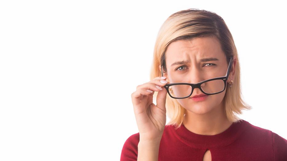 a látás hirtelen csökkenésének oka)