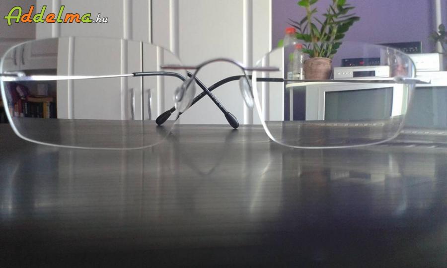 dioptriás asztal
