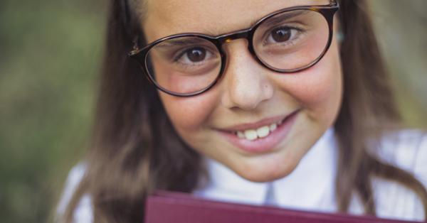 hogyan lehet gyógyítani a rövidlátást 14 évesen)